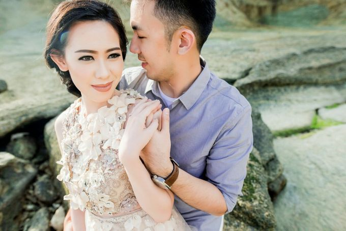 Davin & Yunisa Prewedding Makeup and hairdo by Imelda Hudiyono Bride - 006