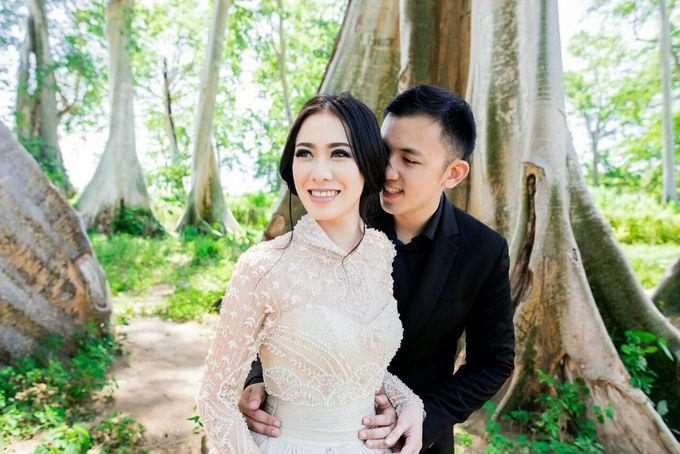 Davin & Yunisa Prewedding Makeup and hairdo by Imelda Hudiyono Bride - 007