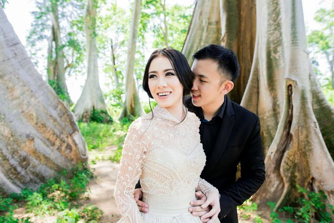 Davin & Yunisa Prewedding Makeup and hairdo by Imelda Hudiyono Bride - 008
