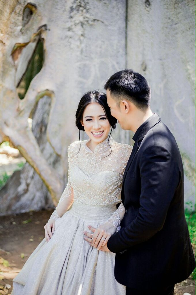 Davin & Yunisa Prewedding Makeup and hairdo by Imelda Hudiyono Bride - 011