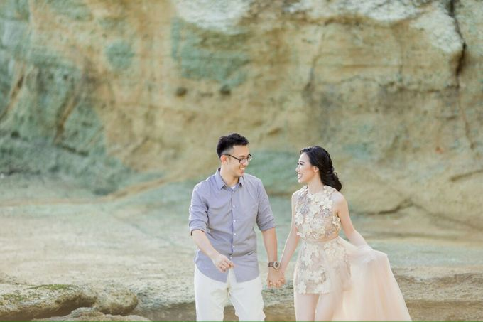 Davin & Yunisa Prewedding Makeup and hairdo by Imelda Hudiyono Bride - 012
