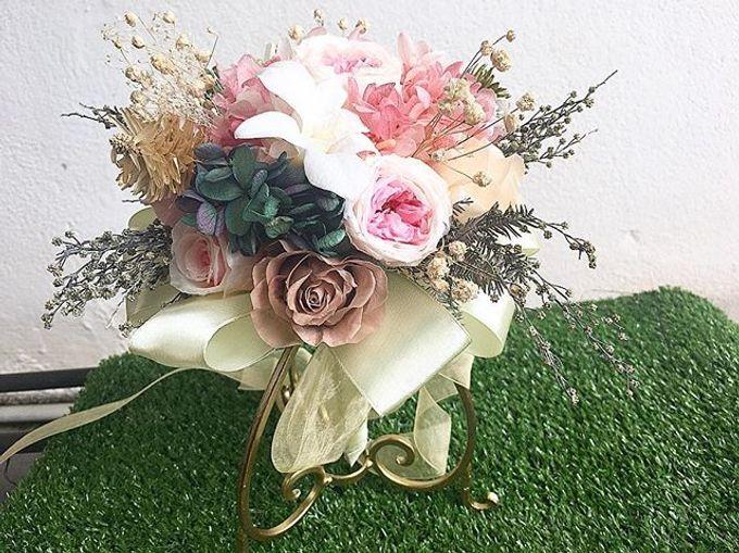 Bridal hand bouquet  by Petal Co. - 002