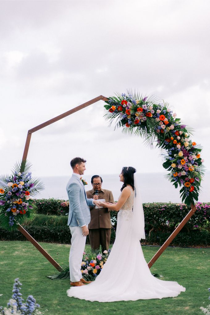 Tropical Lush Wedding in Bali by Silverdust Decoration - 010