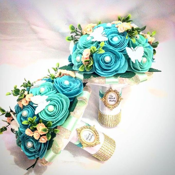 Handcrafted Bouquets and Wedding Accessories  by Duane's Fleur Creatif - 015