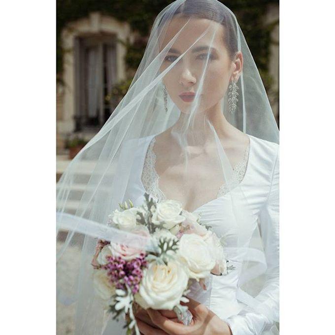 Versatile Elegance by Nicolas Laville Couture - 004