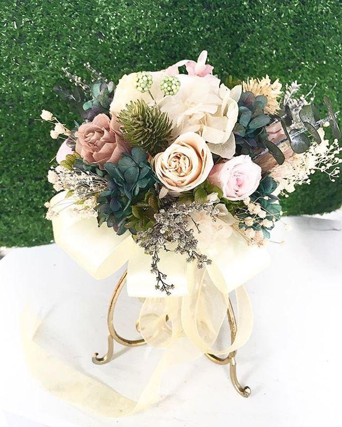 Bridal hand bouquet  by Petal Co. - 003