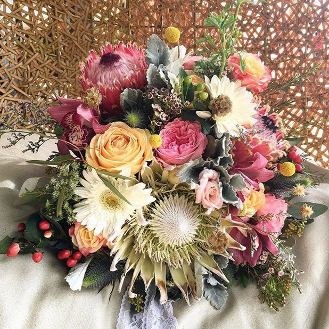 Bouquets  by Weddings by TV - 036