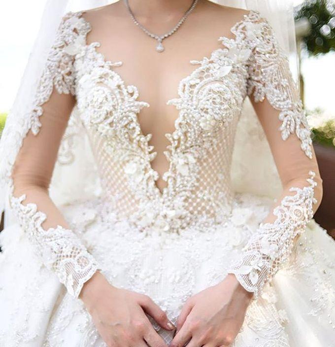 BONIFASIUS & MEIRILYN WEDDING DAY by Tinara Brides - 001