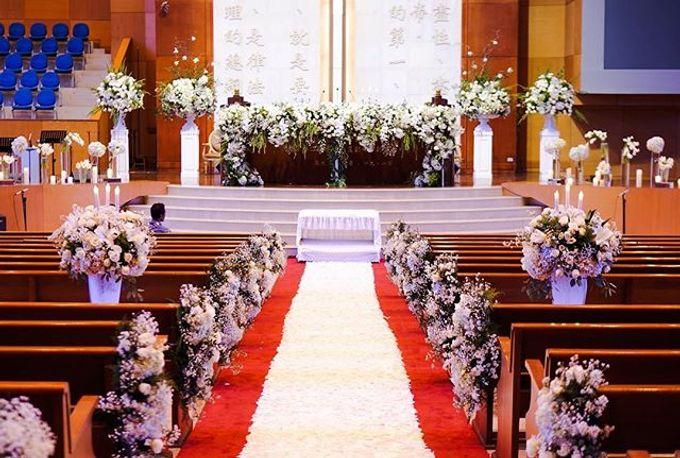 Elegant white & green churn matrimony by Blooming Elise Flowers - 002