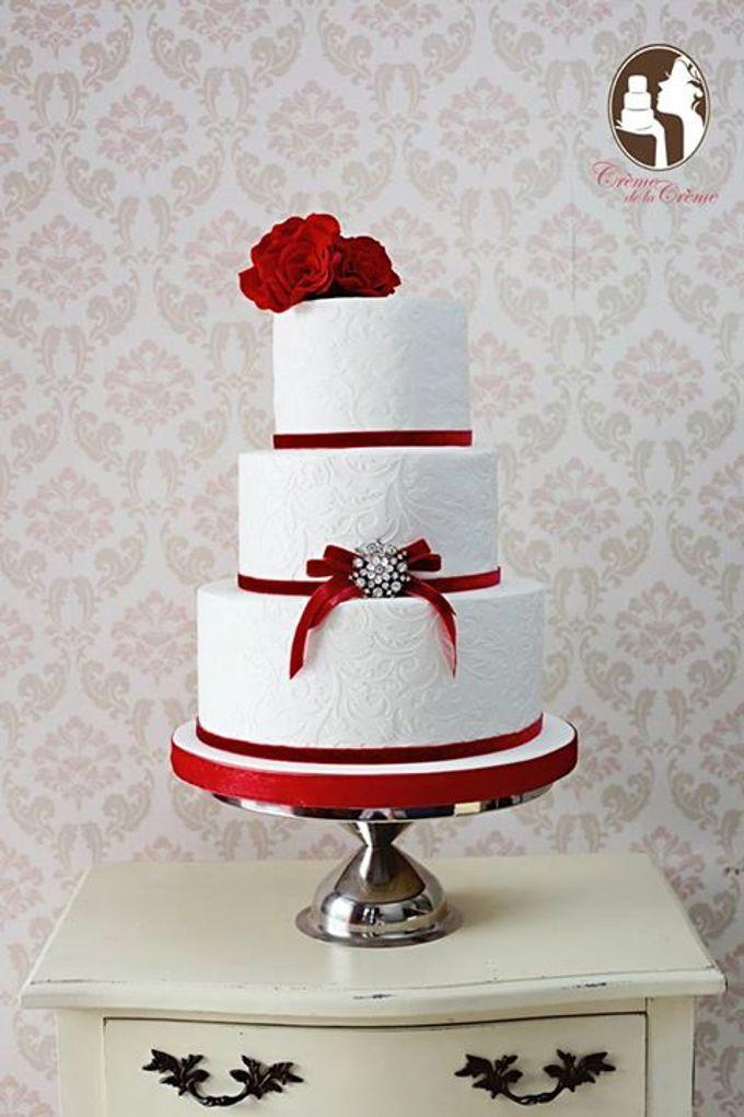 Red Roses Wedding Cake By Creme De La Creme Bali Bridestory Com