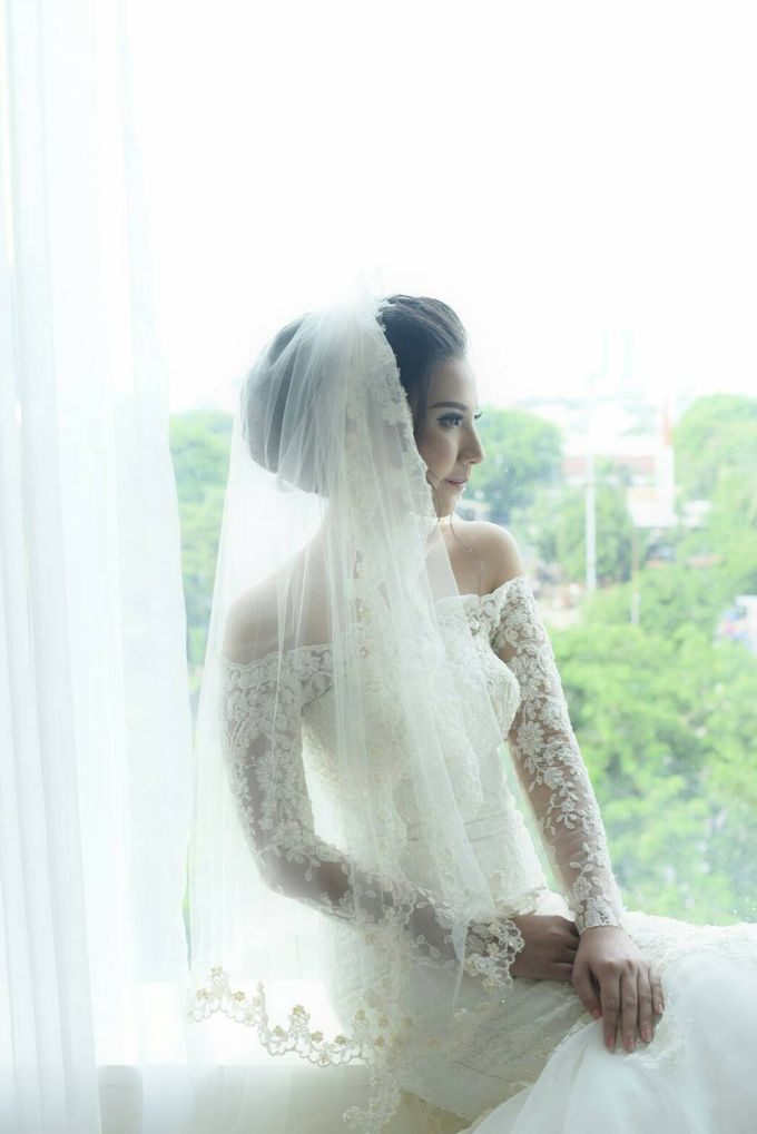 Terrycatherina & Arifs wedding by Stephanie Amanda Couture - 005