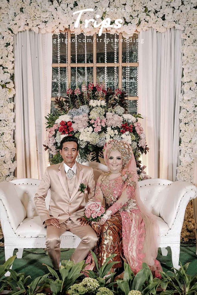 Adi lia wedding by trips photograph bridestory add to board adi lia wedding by trips photograph 001 junglespirit Image collections
