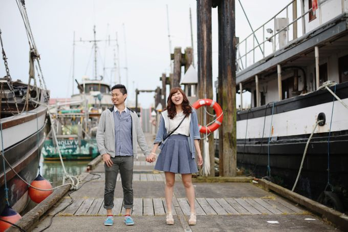 Engagement shoot at Steveston Richmond by Rebecca Ou Photography - 014