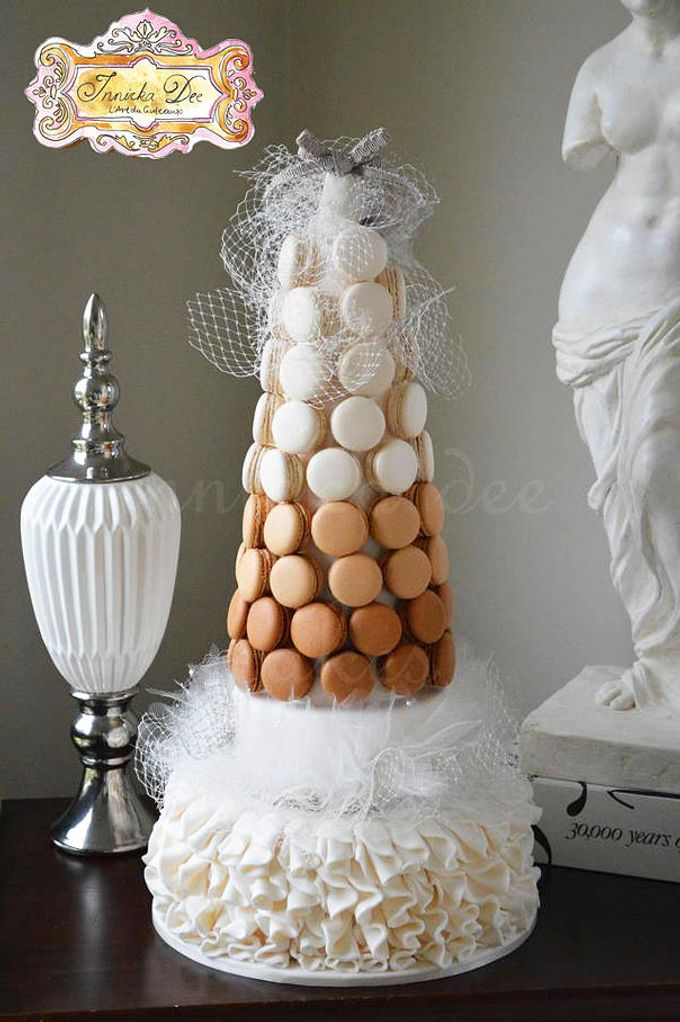 Wedding Cakes by Innicka Dee Cakes - 017