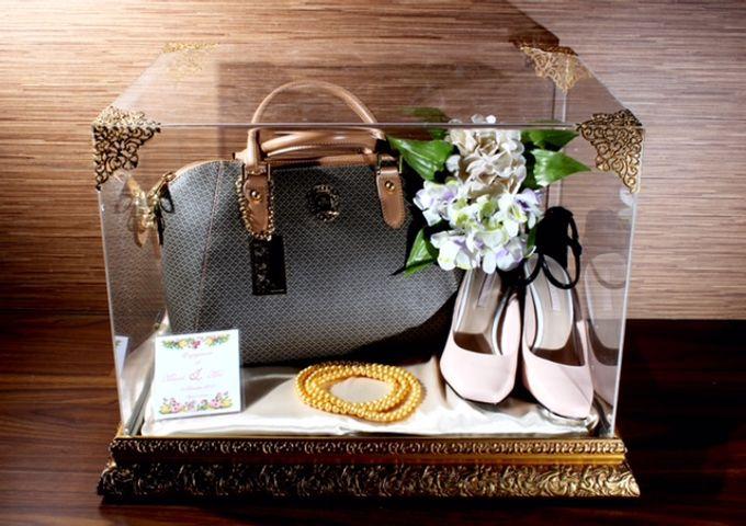 Wedding Gift Box Acrylic By Aqanos Craft Bridestory Com