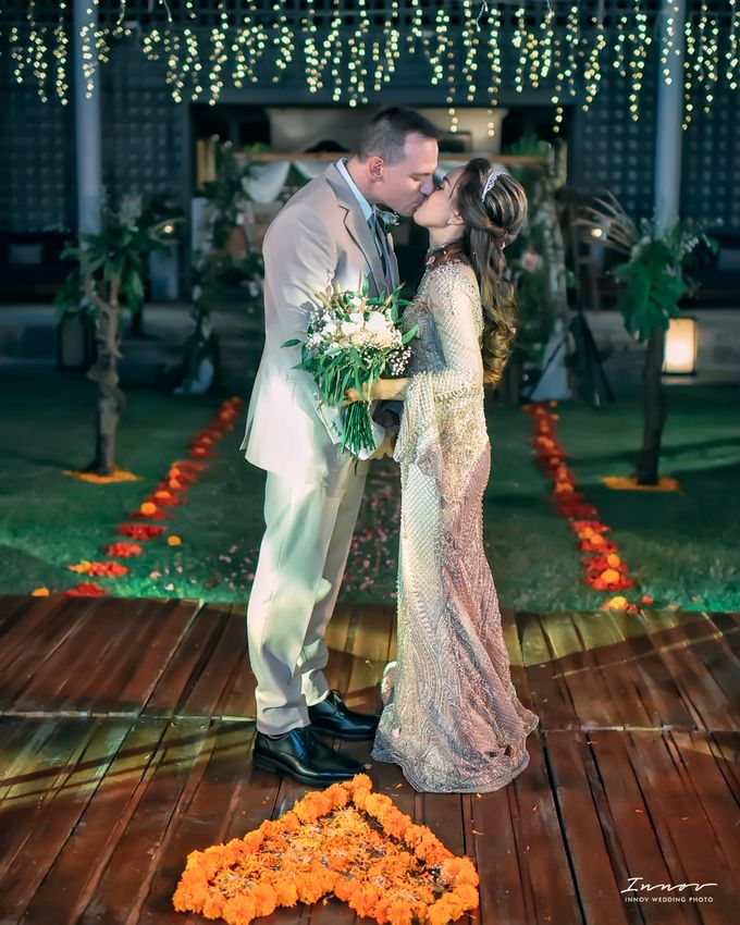 THE WEDDING Of  Mr KARLPEMER & Ms Susiani Retno by APLUS DECORATION & WEDDING PLANNER - 010
