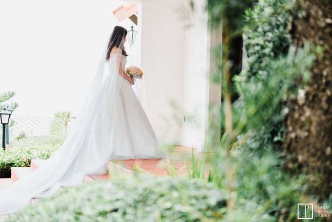 Tina & Niel's Peach Themed Intimtate Wedding in Tagaytay Highlands by Peach Frost Studio - 025