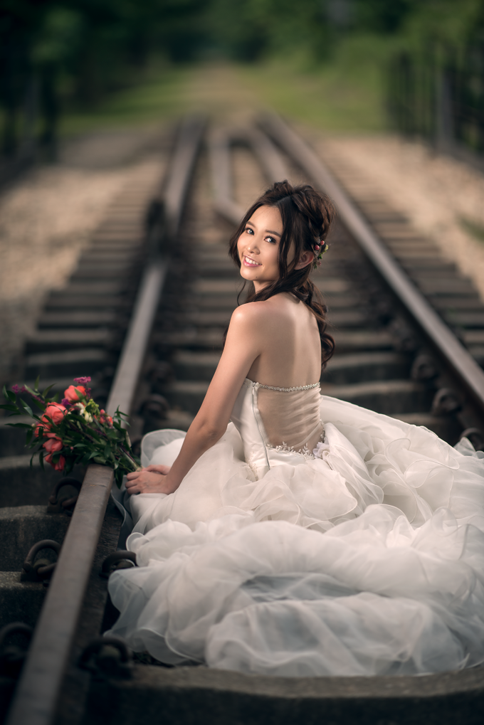 Brides by LING Chia Makeup & Hairstyling - 005