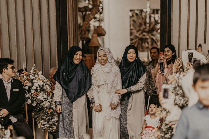 Aisyah & Aziz Wedding at Azila Villa by AKSA Creative - 015
