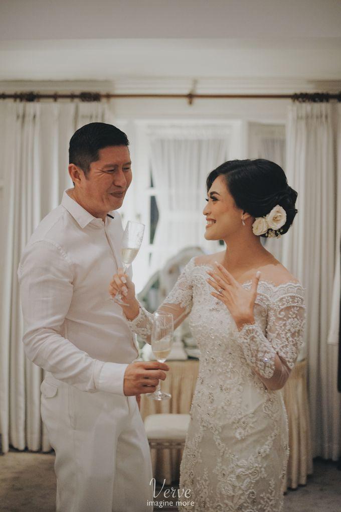 WEDDING CEREMONY OF ANGGINA & JUSTIN by Barli Asmara Couture - 012