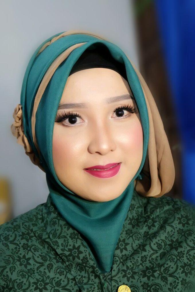 Makeup Bridesmaid by VidJei Makeup - 011