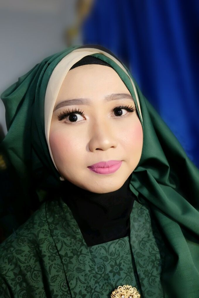 Makeup Bridesmaid by VidJei Makeup - 010