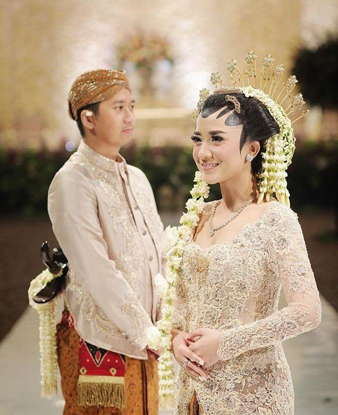 The Wedding Of Astrini & Rian by Soe&Su - 003