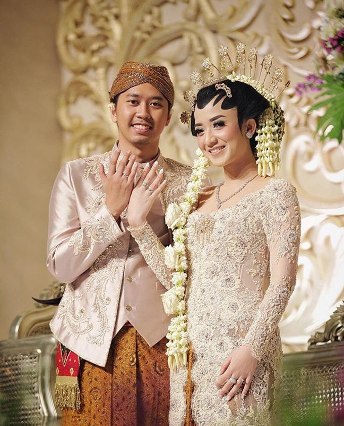 The Wedding Of Astrini & Rian by Soe&Su - 006