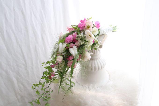 Korean Style Arm Bouquet by FMD - Floral & Décor - 001