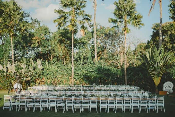 Backyard Jewish Wedding by Flora Botanica Designs - 020