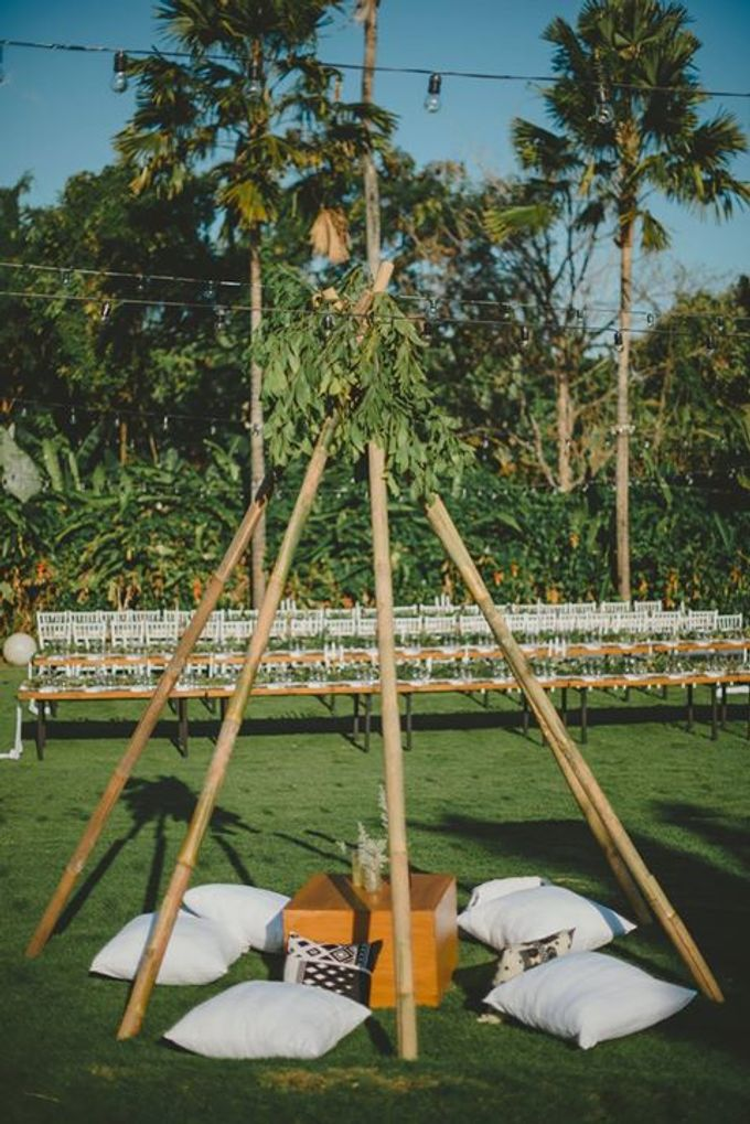 Backyard Jewish Wedding by Flora Botanica Designs - 010