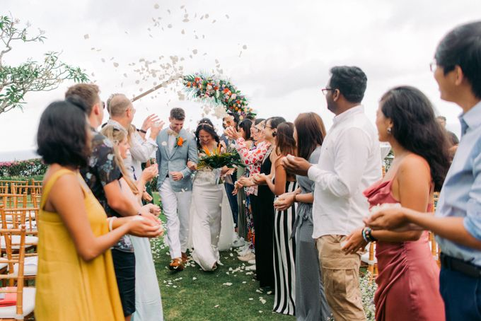Tropical Lush Wedding in Bali by Silverdust Decoration - 012