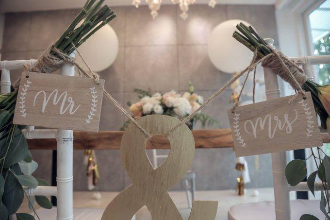 Solemnization / Reception Table / Wedding Venue Decoration by Petite Fleur SG - 021