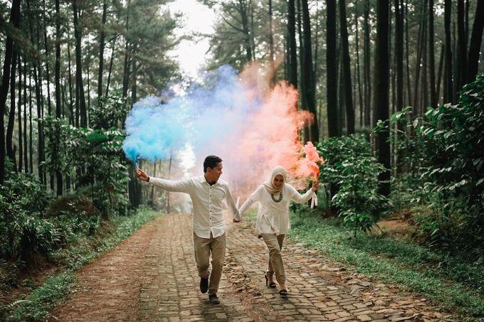 Citra Ridwan Prewedding At Gunung Pancar By Warna Project Bridestory Com