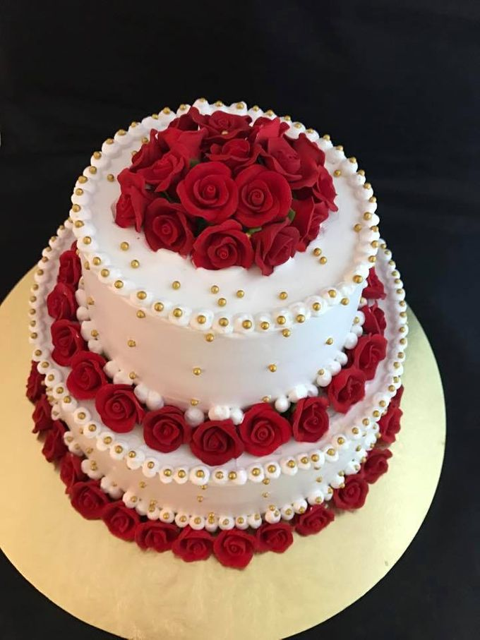 Floral Wedding Cake by Nurture Cakes -Gourmet Cakes with Egg and Eggless - 005