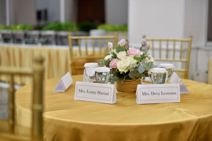 Donovan & Elisabeth Wedding at Menara Mandiri by Catalina Flora - 001