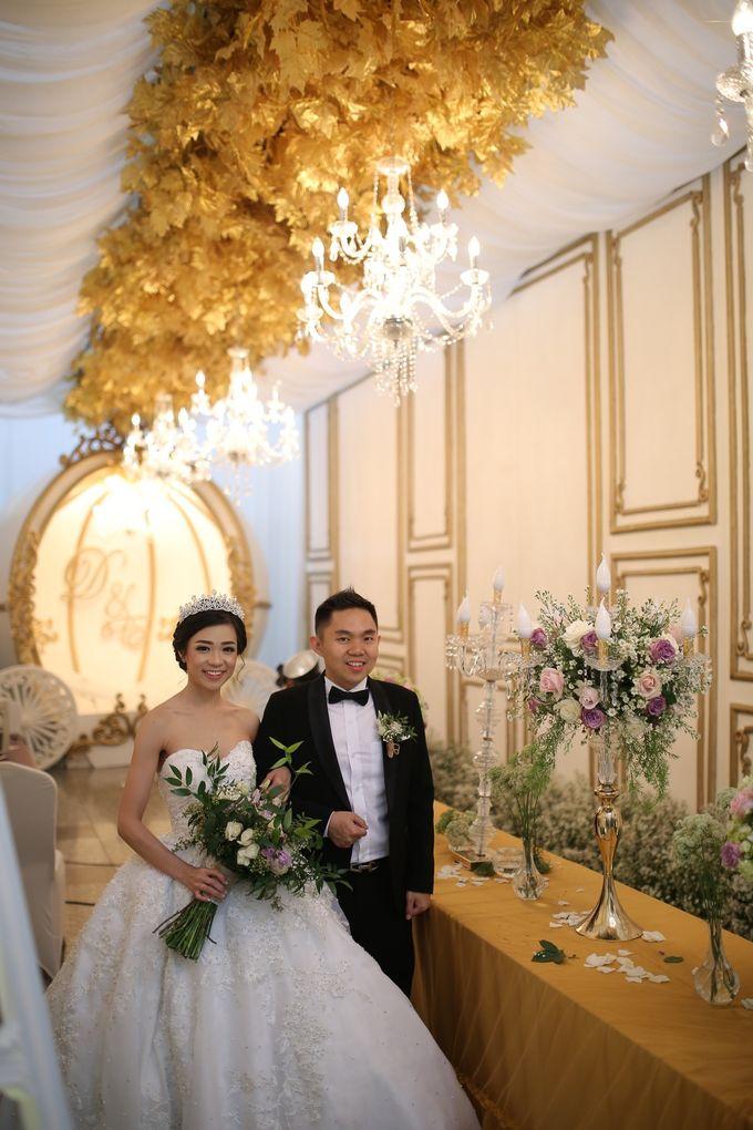 Donovan & Elisabeth Wedding at Menara Mandiri by Catalina Flora - 005