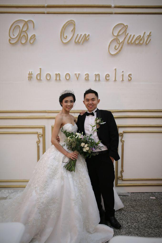 Donovan & Elisabeth Wedding at Menara Mandiri by Catalina Flora - 019