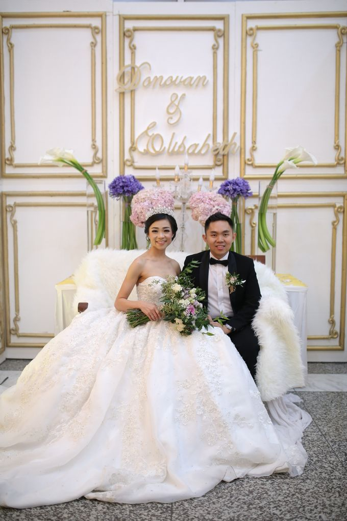 Donovan & Elisabeth Wedding at Menara Mandiri by Catalina Flora - 022