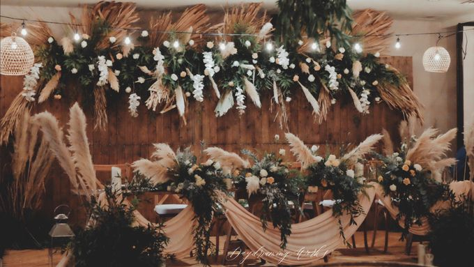The Wedding of Ovindra & Ardhi by Daydreaming Works - 001