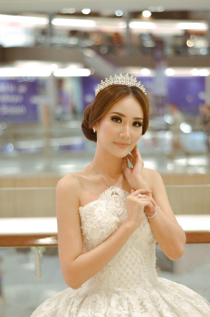Bridal Fashion Show by Nadya Artamara Make Up Artist - 004