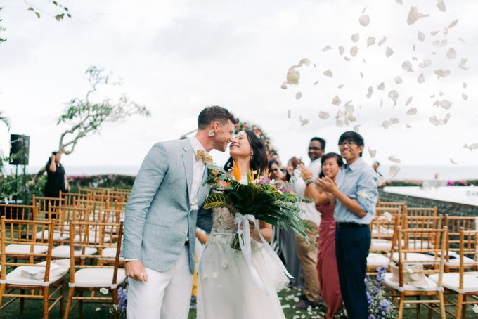 Tropical Lush Wedding in Bali by Silverdust Decoration - 013