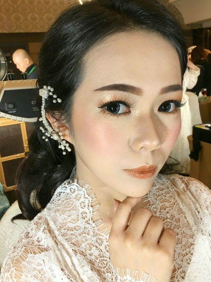Bride Makeup by Desy Lestari Makeup - 006