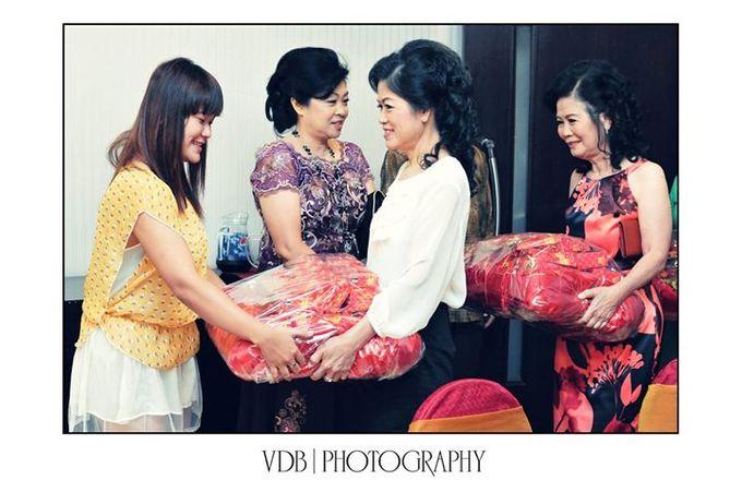 The Engagement of Yukito & Sylvia by VDB Photography - 011
