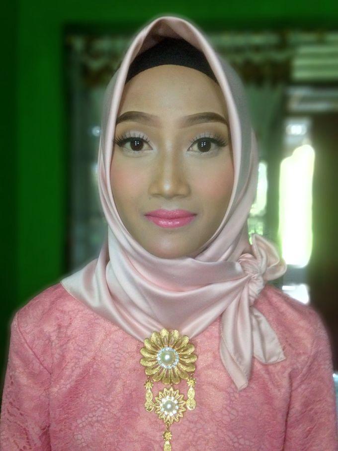 Graduation Makeup by Tiyas Makeup - 032