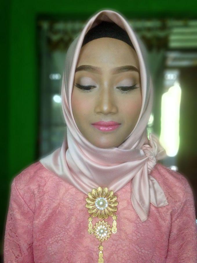 Graduation Makeup by Tiyas Makeup - 033