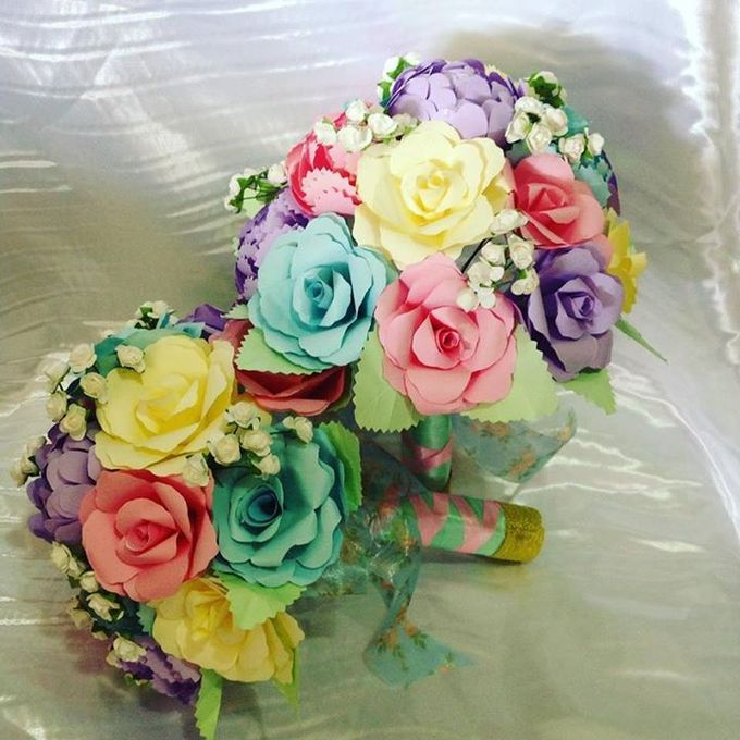 Handcrafted Bouquets and Wedding Accessories  by Duane's Fleur Creatif - 010