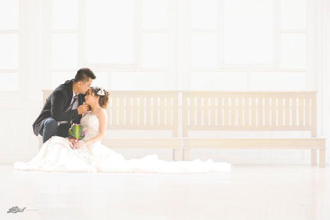 Indoor prewedding by Aldo Item - 020