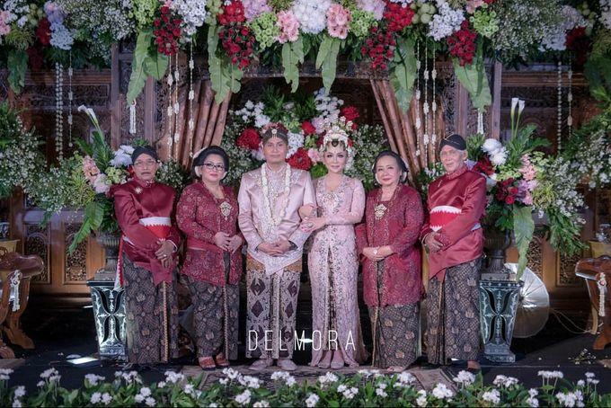 WEDDING PARTY KEBAYA MODERN / TRADISIONAL by DELMORA - 025