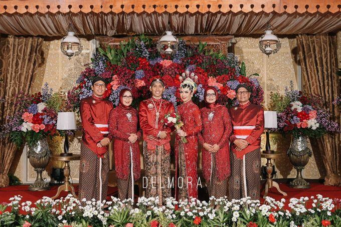 WEDDING PARTY KEBAYA MODERN / TRADISIONAL by DELMORA - 027